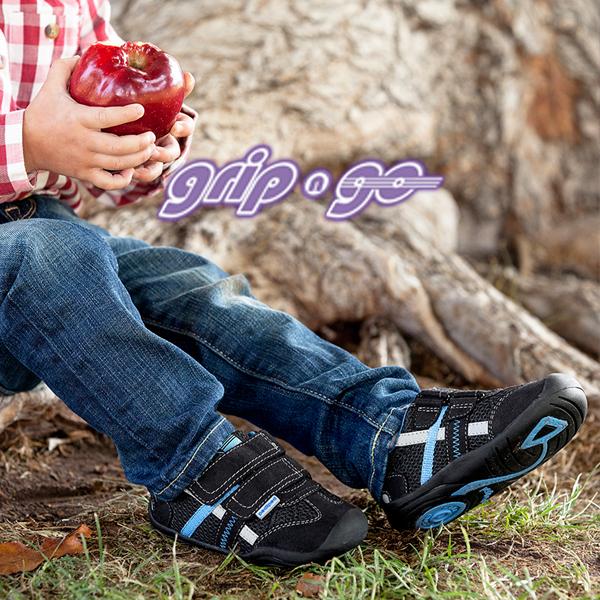 60f253034edb Akkor neki a pediped™Grip&Go-t javasoljuk! Ebben a formában már minden  benne van, amit az előzőekben elmondtunk, plusz a rugalmas gumitalpaknak és  a ...